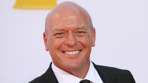 dean-norris-64th-annual-primetime-emmy-awards-02