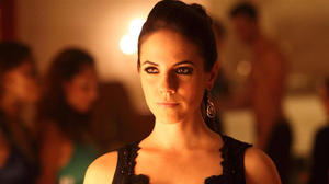 o-lost-girl-anna-silk-facebook